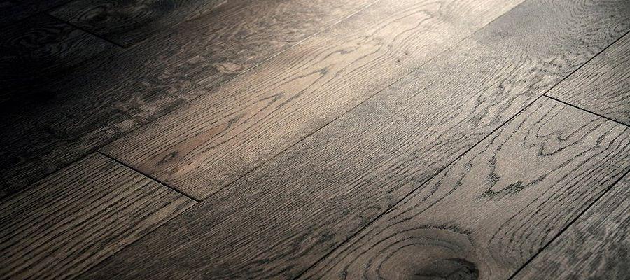 Dark Harmonie Parket 13 mm, 2-vrstvá prkna, olejovaná, lehce kartáčovaná, nášlap 4 mm evropský dub, 2x fáze, od 1500 Kč